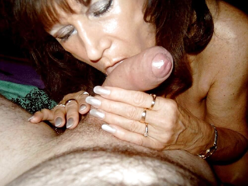 http://maturesonfire.com/gallery/Granny_love_sex_-_2/17.jpg