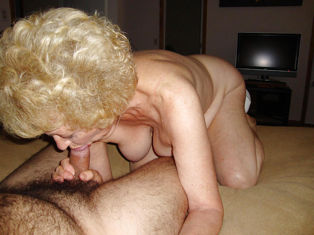 http://maturesonfire.com/gallery/Granny_love_sex_-_2/4.jpg