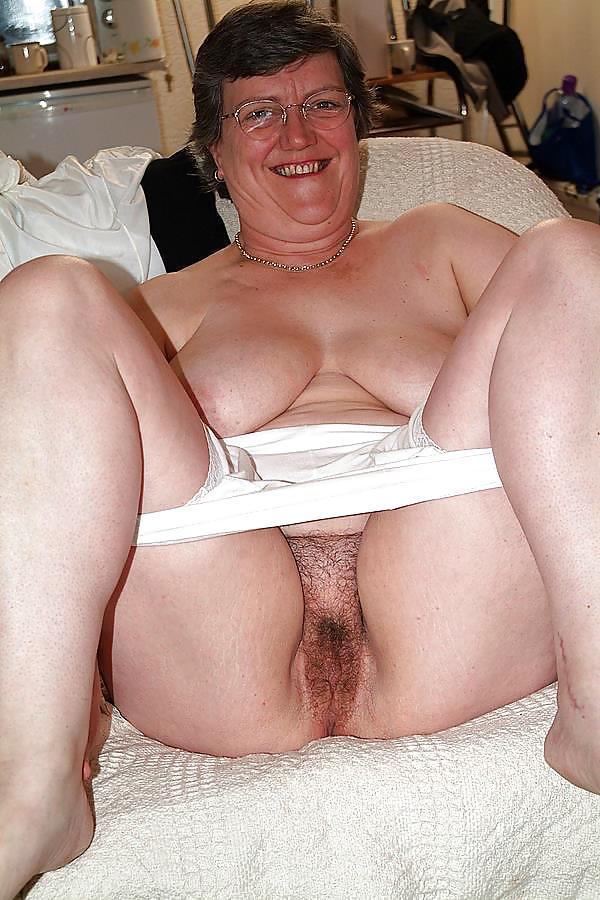 Старухи в панталонах на порно фото