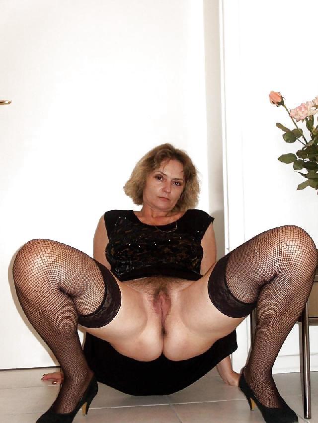 женщины в возрасте раком в чулках № 86969