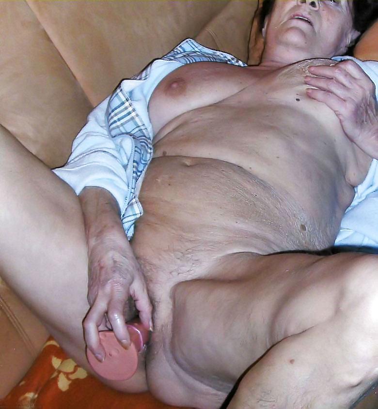 http://maturesonfire.com/gallery/Matures_milf_housewives_66/19.jpg