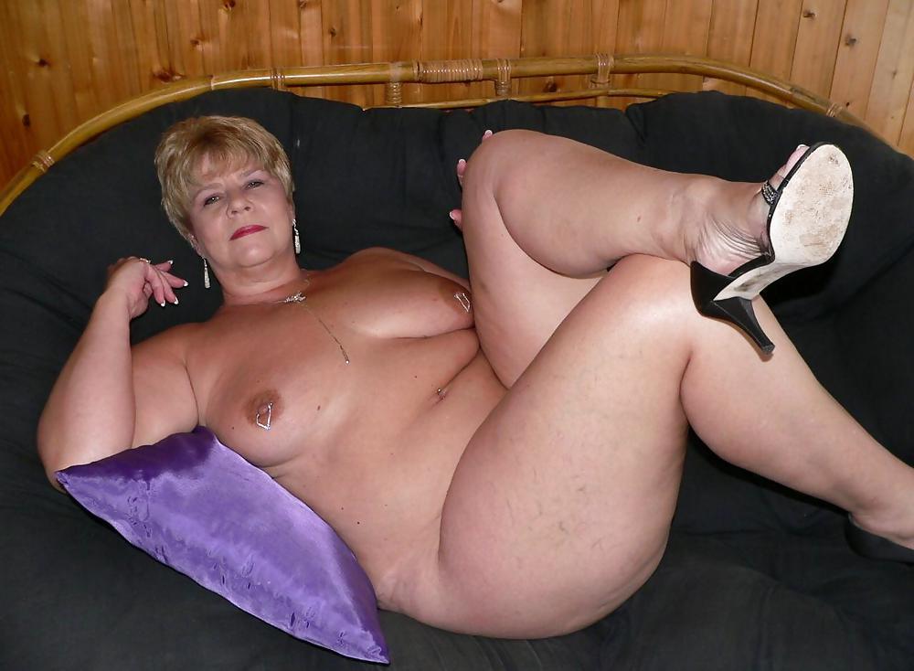 http://maturesonfire.com/gallery/Matures_milf_housewives_66/27.jpg