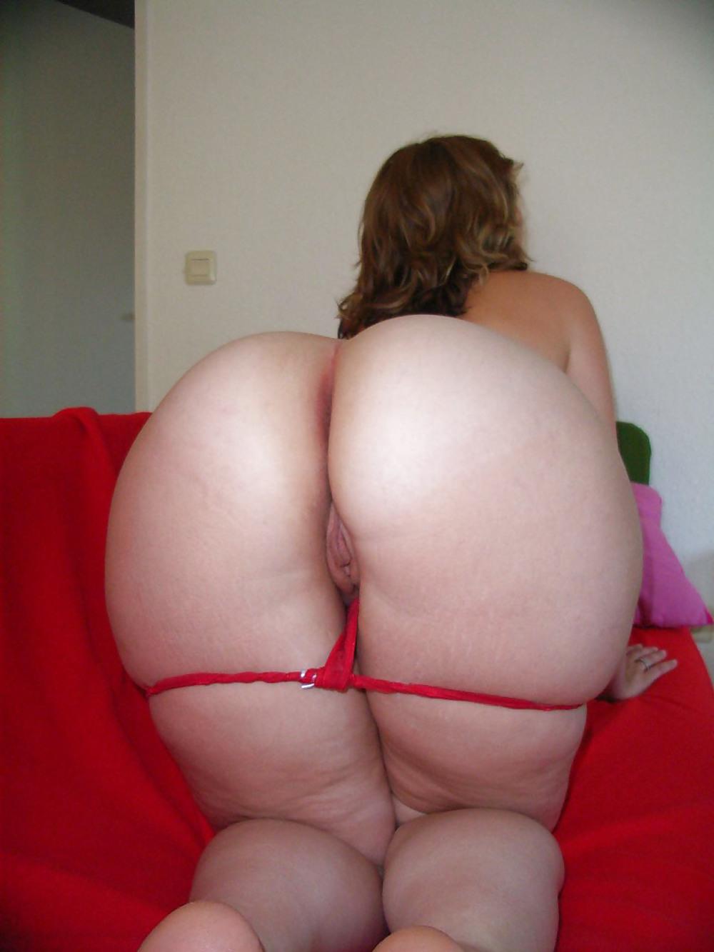 http://maturesonfire.com/gallery/Matures_milf_housewives_66/46.jpg