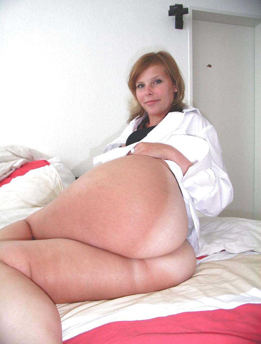 http://maturesonfire.com/gallery/Matures_milf_housewives_66/54.jpg
