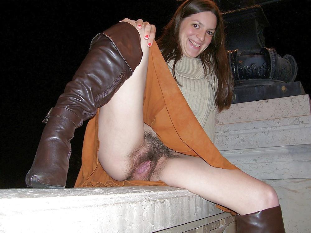 http://maturesonfire.com/gallery/Matures_milf_housewives_66/56.jpg
