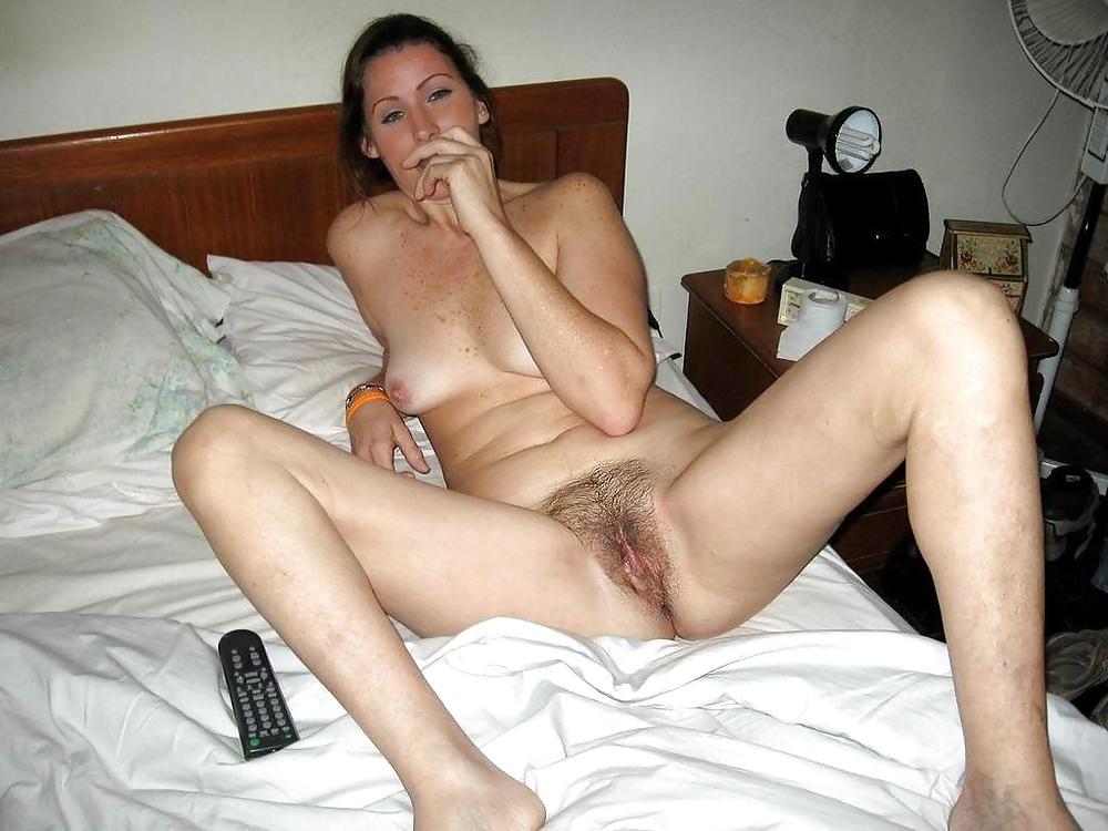 http://maturesonfire.com/gallery/Matures_milf_housewives_66/92.jpg