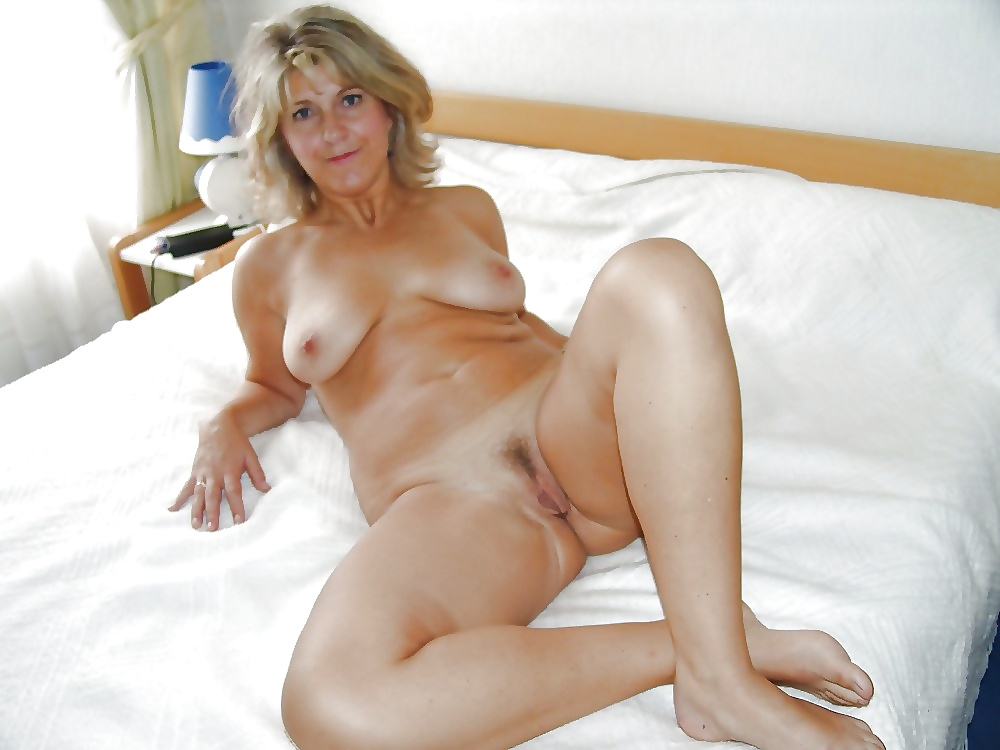 Shannon elizabeth nake gallery
