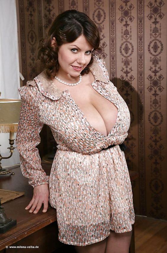 Sexy slut undress